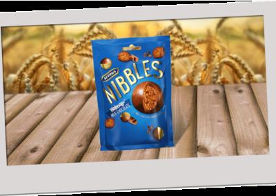 McVitie's Hobnobs Nibbles Milk Chocolate 120g