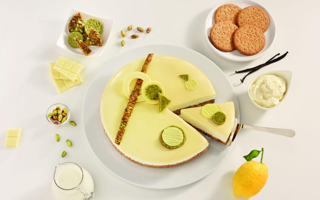 Τσίζκεϊκ (cheesecake) με λευκή σοκολάτα και φιστίκια Αιγίνης
